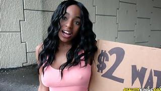 Русское Cекс Скачать - Пикапер знакомится с негритянкой Tiffany Tosh на улице и уламывает её на еблю