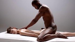 Русское Порносвета - Межрассовый секс с девушкой массажисткой и темнокожим парнем
