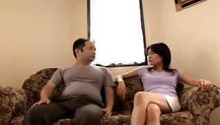 Русский Порно Oнлайн - Азиатка завела хахаля и подрочила его вставший пенис