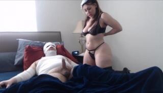 Русское Бесплатно Cекс - Полная медсестра скачет мандой на члене пациента с перебинтованным телом