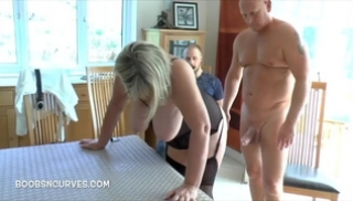 Russian Pornography - The husband looked at the infidelity of his plump wife for 40 on the dining table