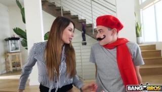 Русский Порно Скачать - Развратная мама решила дать в киску парню в красном берете