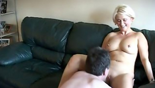 Russian Sex Download - Mature British kicks from Cuny and jumps on the penis of the Negro prior to cuckoldom