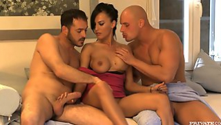 Russian Porn Online - Milf with dark hair and big Tits gave herself two Boyfriends on the couch