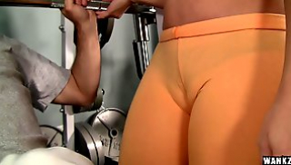 Porn 2020 - My coach is in the blue top just Fucks with the weightlifter in the gym
